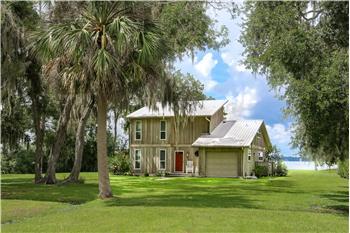 109 W. Groveland Lane, E. Palatka, FL