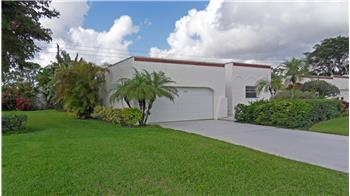 2816 SE Fairway West, Stuart, FL
