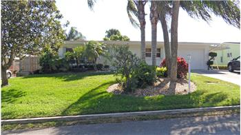 2328 NE Center Circle, Jensen Beach, FL