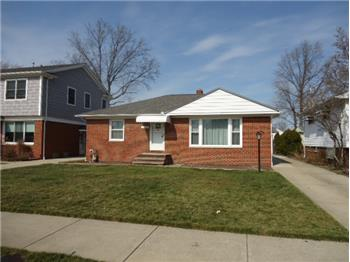 31601 Douglas Dr, Willowick, OH