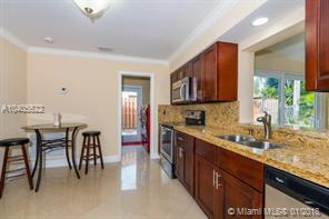 Primary listing photos for listing ID 503997