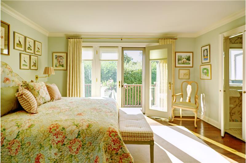 Master Bedroom Suite with Balcony