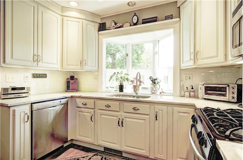 Bay Window and Travertine Marble Counters
