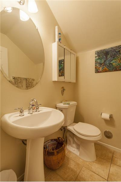 Simi Valley Townhome-Powder Room