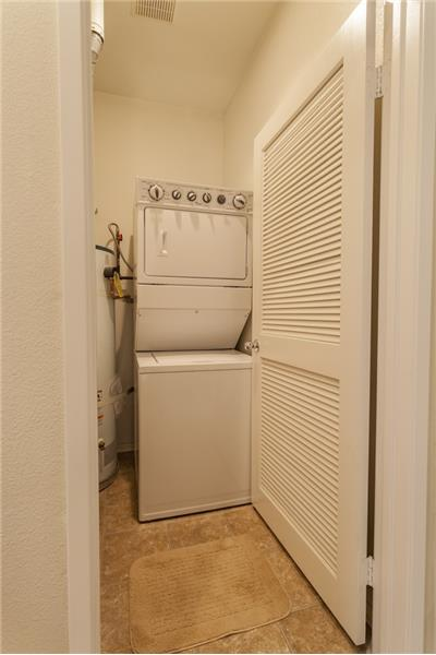 Simi Valley Townhome-Laundry Room