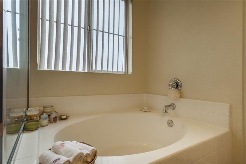 Simi Valley Townhome-Master Bathroom