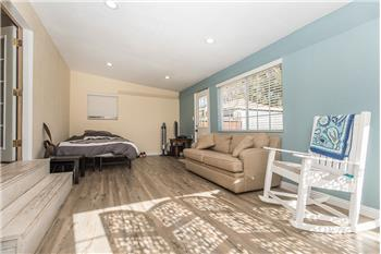 reseda rental backpage