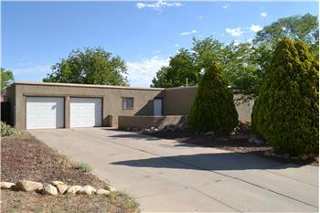 5813 Stratford Ave NW, Albuquerque, NM