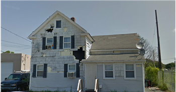 89 N Clinton Ave, Bay Shore, NY