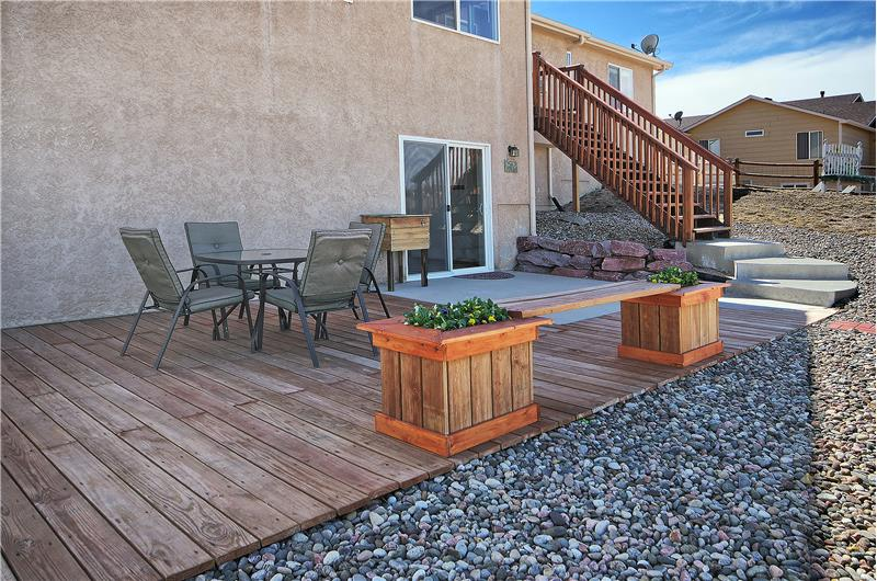 Large patio is great for entertaining!