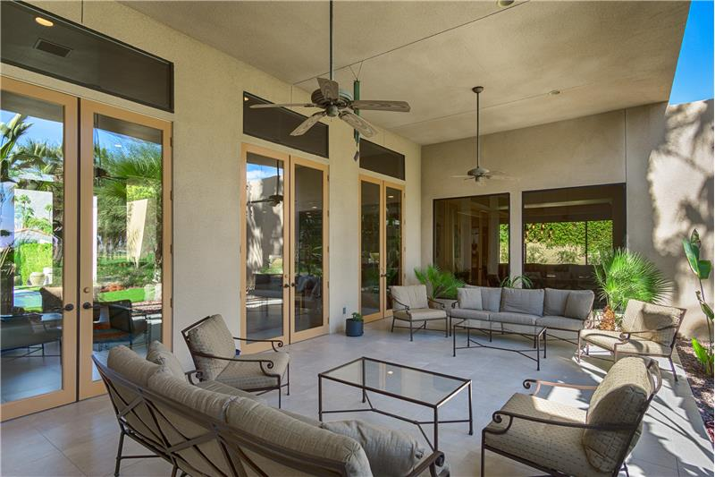 Lanai Offers Huge Shaded Outdoor Living Space