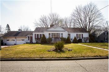 69 Snug Hill Harbor Road, Milford, CT