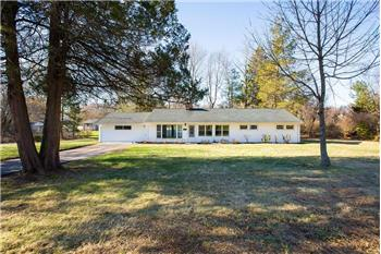 133 North Rolling Acres Road, Cheshire, CT