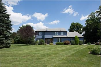 12 Rolling Meadow Drive, Wallingford, CT