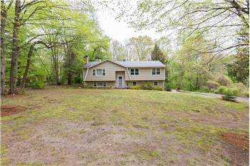 521 Clintonville Road, North Haven, CT