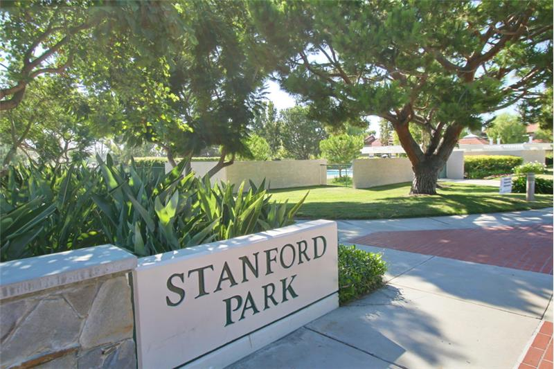 Stanford Park is close by