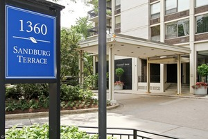 1360 N. Sandburg Terrace 2101C, Chicago, IL