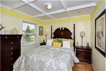 bloomingdale rental backpage