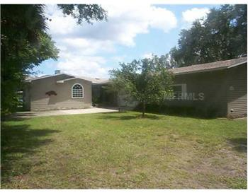 53704 Rivertrace Rd., Astor, FL