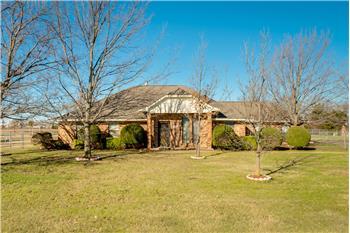 165 Royal Park Ln, Waxahachie, TX