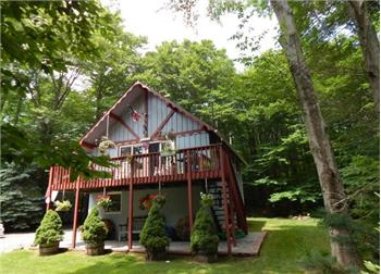 115 King Arthur Rd, Pocono Lake, PA