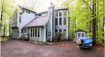 105 Fala Ct, Pocono Lake, PA