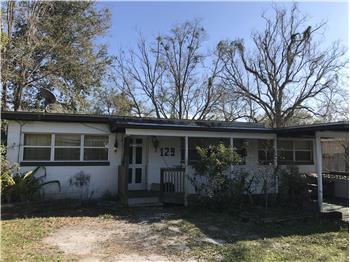 129 Country Club Cir, Sanford, FL
