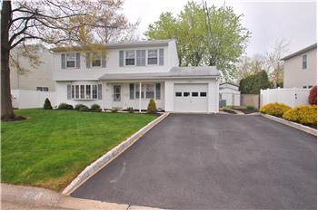33 Dakota Avenue, Middletown, NJ