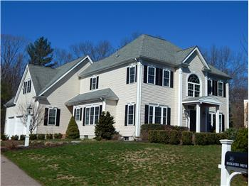 16 Berkshire Dr, Franklin, MA