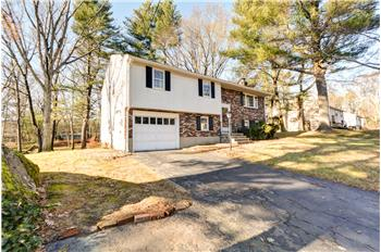 51 High Rock Road, Holliston, MA