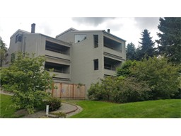 11226 NE 68th St #E, Kirkland, WA