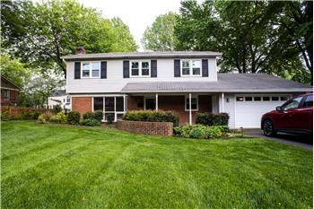 7729 Ogden Ct, Falls Church, VA
