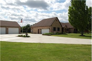 8040  8040 Baird Road, Groveport, OH