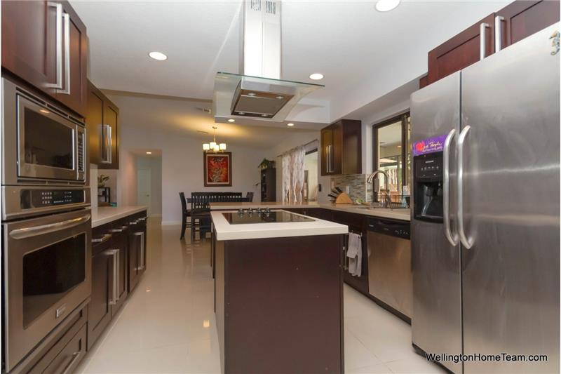 Sugar Pond Manor Pool Home for Sale in Wellington Florida | 13471 Jonquil Place