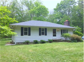 1580 Shermantown Road, Saunderstown, RI