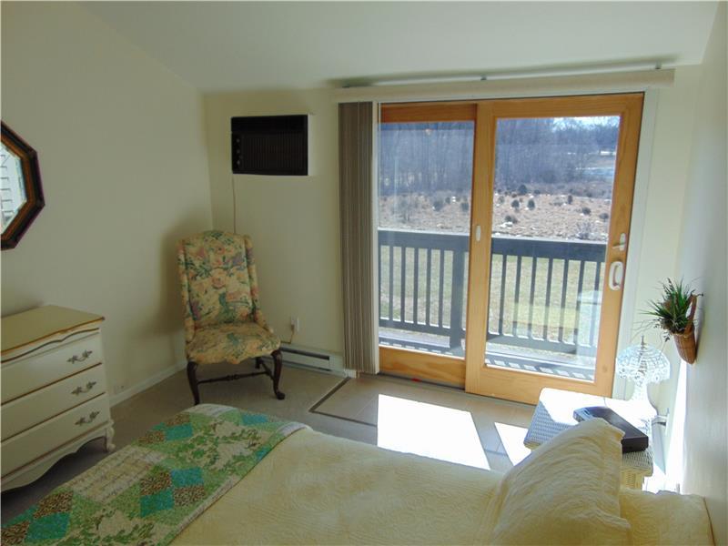 New Andersen slider to balcony & fabulous waterfront views