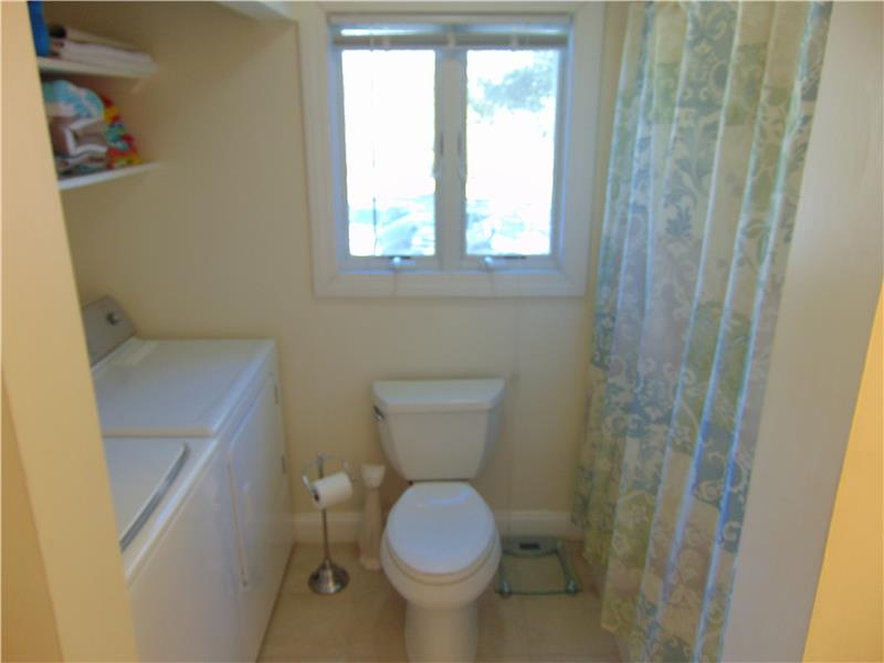 Washer & dryer upstairs for ease