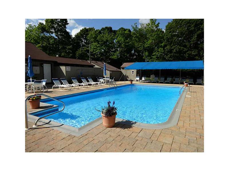 Pool & cabanas for Cedarhurst
