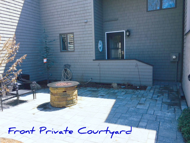 Front entrance & courtyard to townhouse