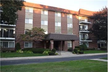 1025 Fernandez, Arlington Heights, IL