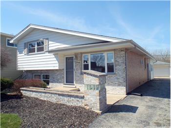 13748 Sandra Ln, Crestwood, IL