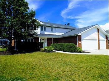 8556 Hollybrook Ln, Tinley Park, IL