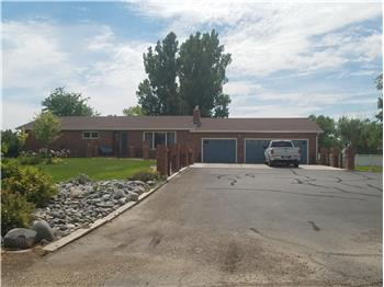 102 Country Drive, Worland, WY