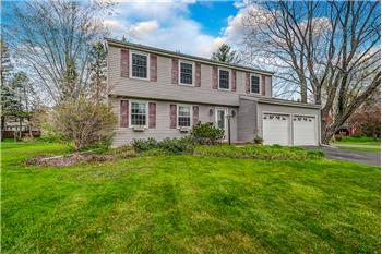 43 Cherry Tree Circle, Liverpool, NY