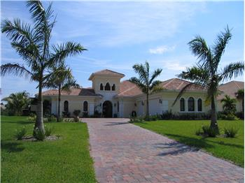 1219 SW Squire Johns LN, Palm City, FL