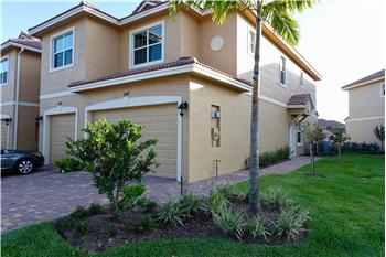 544  SW Glen Crest Way, Stuart, FL