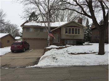 3305 Knob Lane NW, Rochester, MN