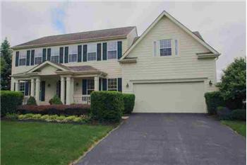 Primary listing photos for listing ID 400700