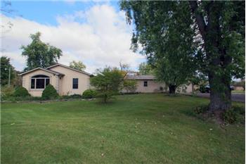 Primary listing photos for listing ID 454103