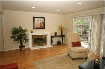 Living Room w/Hardwood Flrs